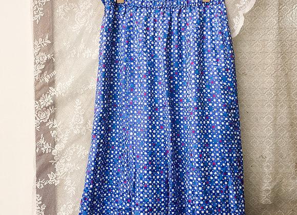 彩藍白方形A字裙