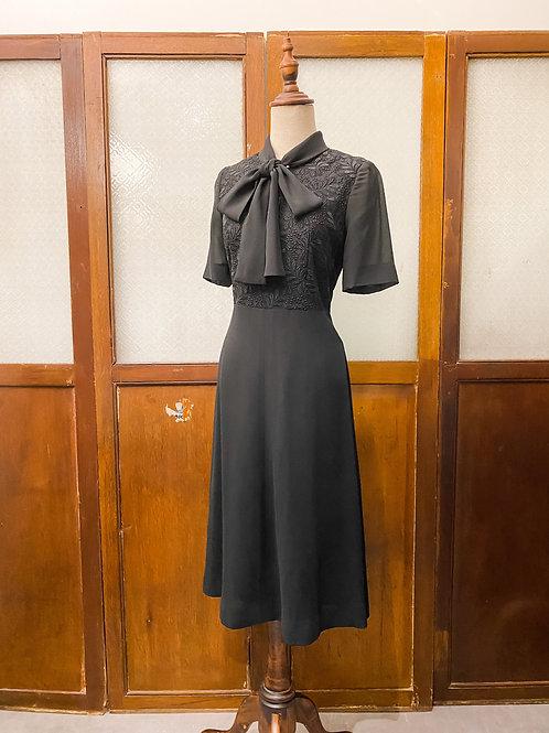 純黑Lace蝴蝶領短袖連身裙