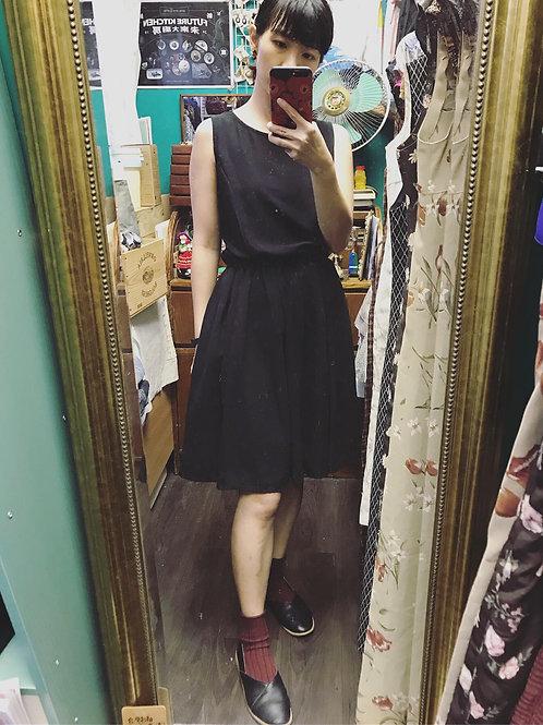 純黑背心連身裙