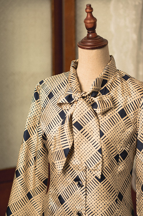 杏藍織布紋蝴蝶領中袖連身裙