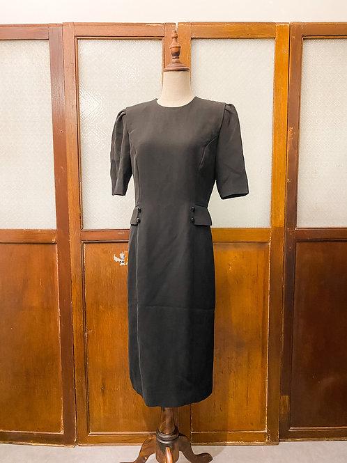 純黑修腰短袖連身裙