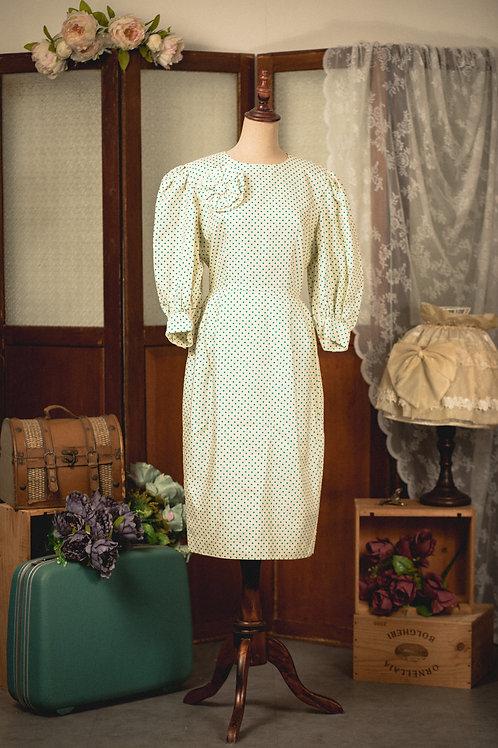 米綠小圓點修腰長袖連身裙