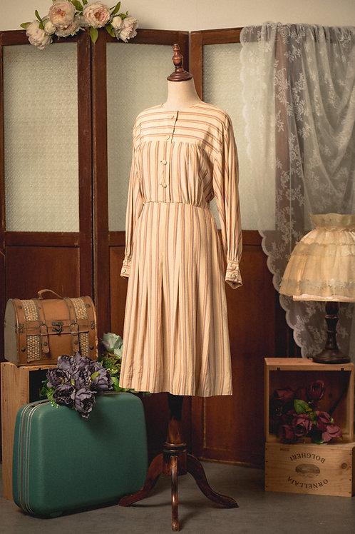 卡其條紋長袖連身裙