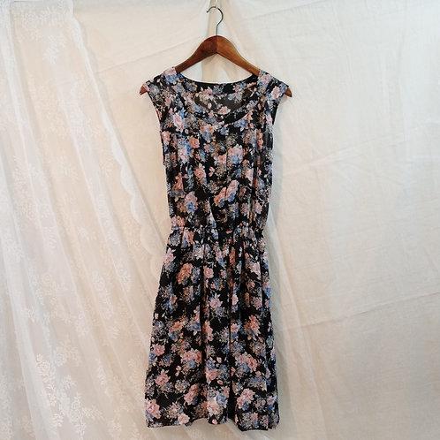 黑粉碎花背心連身裙
