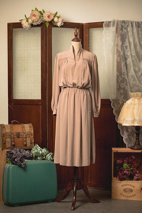 裸色V企領長袖連身裙