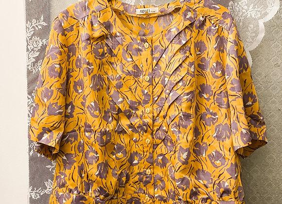 土黃紫花短袖裇