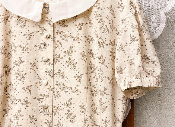 米白碎花布鈕短袖連身裙