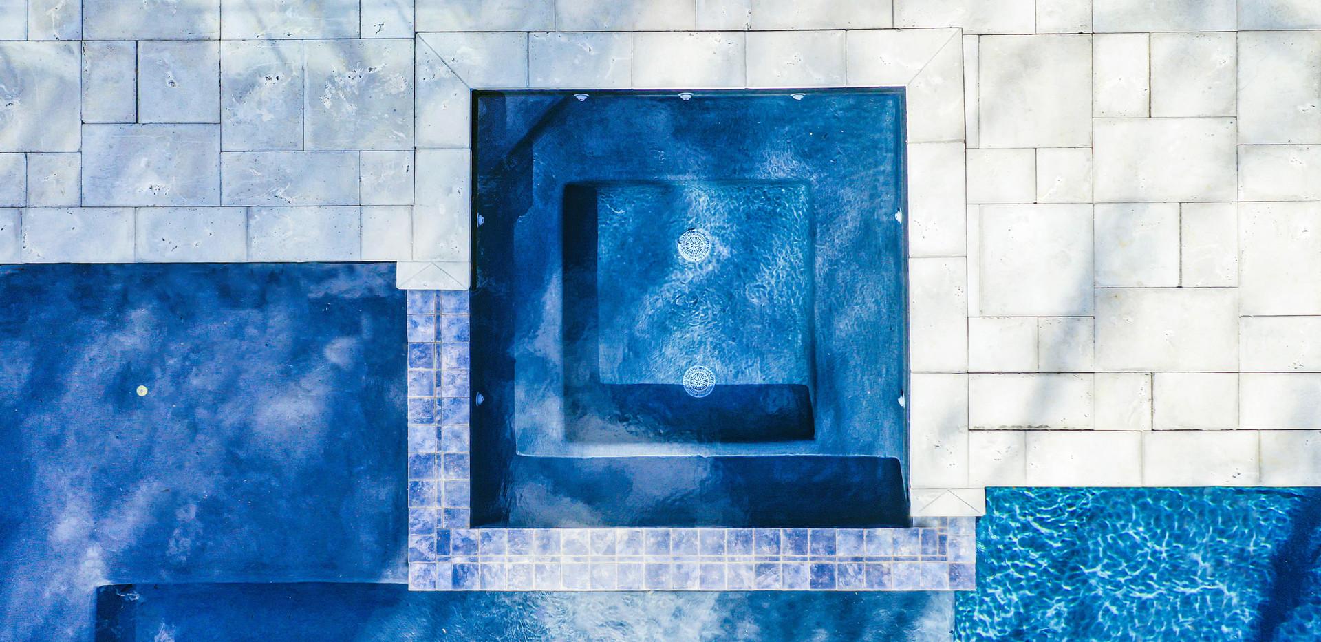 blue hot tub.jpg