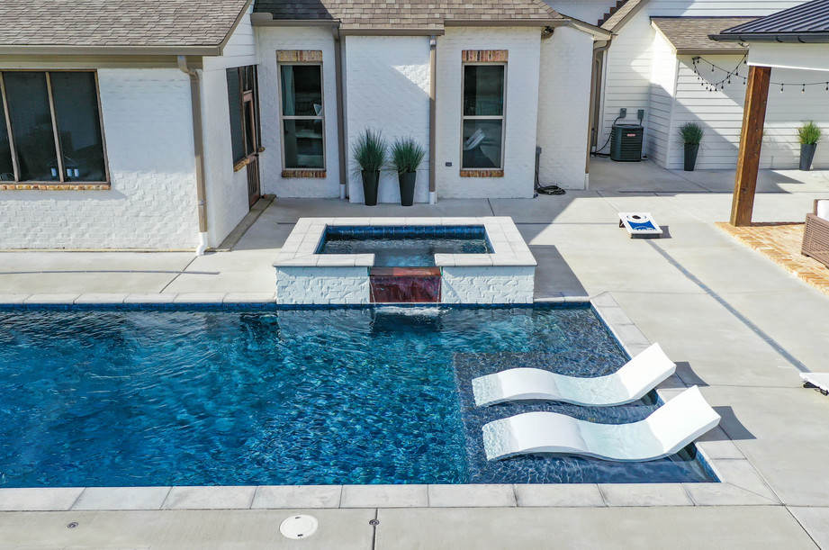 hot tub close2.jpg