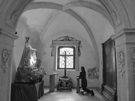 Matera - Praying