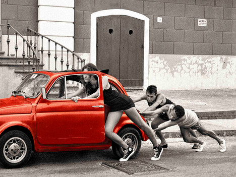 Piano - Fiat 500 red - Panorama