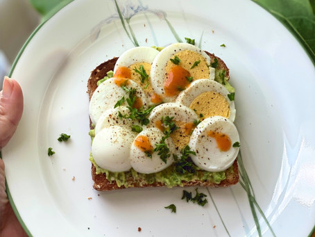 Spicy and Tangy Avocado Toast with Boiled Eggs