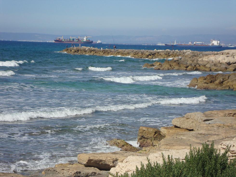 ביקור בשכונה עם הכי הרבה ים בחיפה