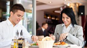 Boas práticas para quem faz refeições fora de casa