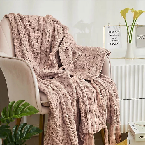 Rose knitted throw