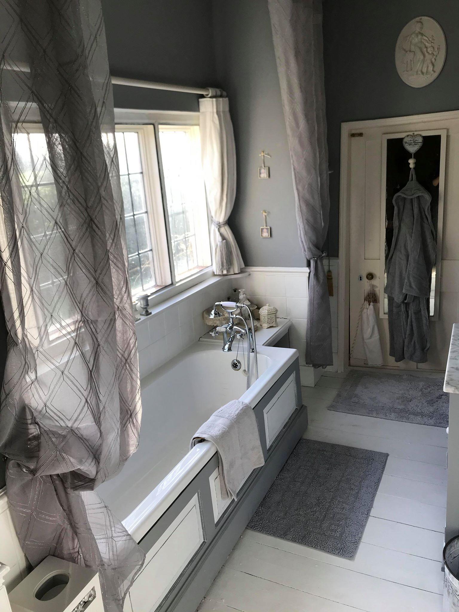 Great Chamber En suite Bathroom 2