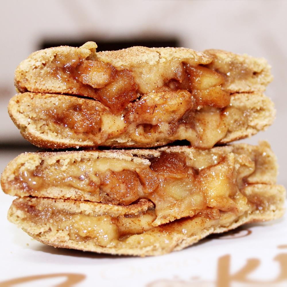 Cookie Recheado com Maça e Canela na massa  Original Quero Cookies
