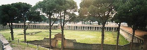 Palestra,_Pompeii.jpg