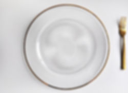 Glass charger plate with gold rim (1).jp