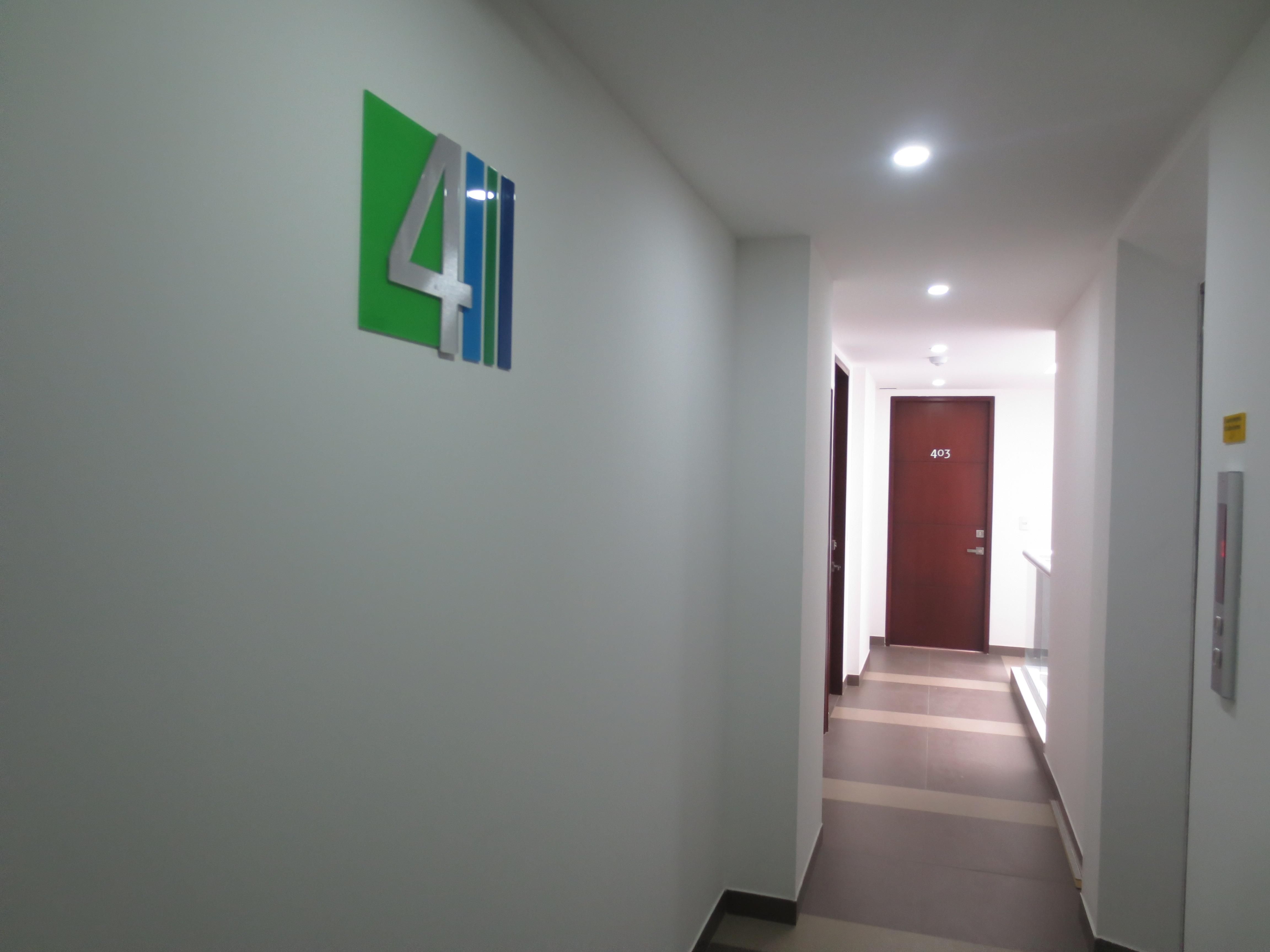 Hall de Acceso Apartamentos