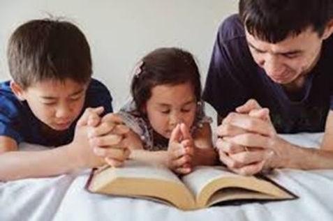 Family Praying.jpg