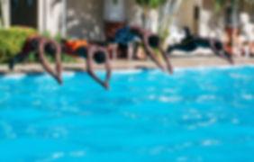 Tirarse a la piscina (Spanish)