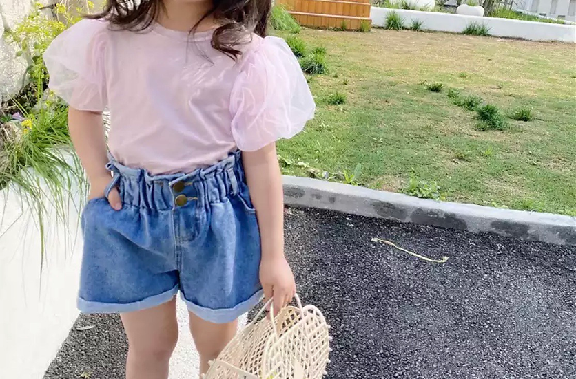 pink puff sleeve shirt
