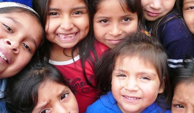 niños-sonriendo-pobreza.jpg