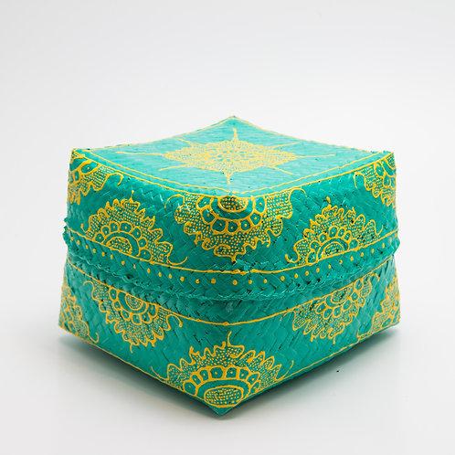 Caja de bambú, verde y amarilla.