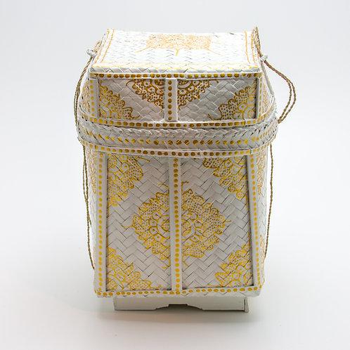 Cubo de bambú con tapa.