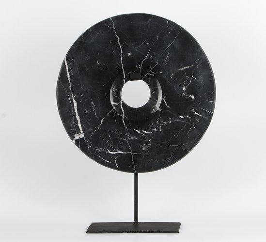 Disco  BI tallado de mármol, 30cm