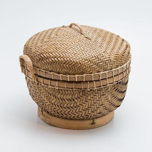 Bote de bambú redondo.