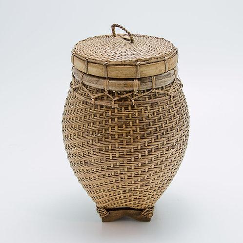 Bote de bambú.