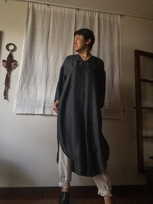 uryya / U-neck dress