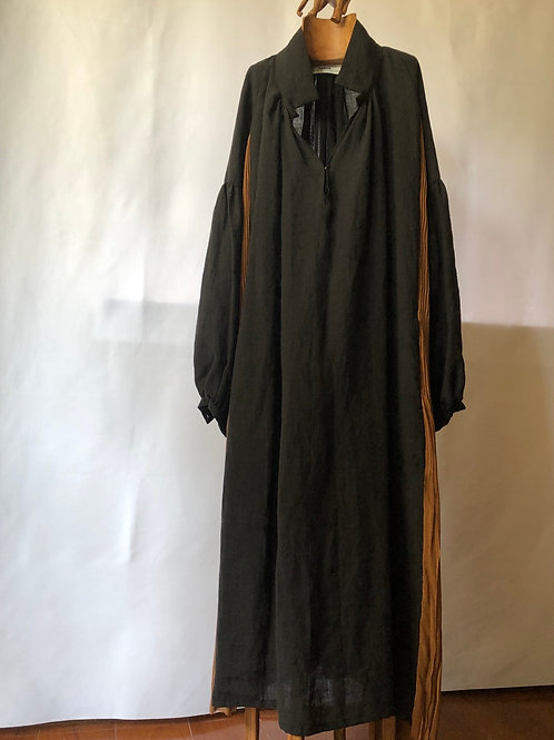 tabrik / side pleats onepiece (black×brown)