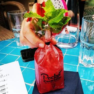 Cocktails trinken in Wien - Red Apple by Pocket Cocktails. Auf dein Event oder Party bestellen - ganz ohne Cateringpersonal