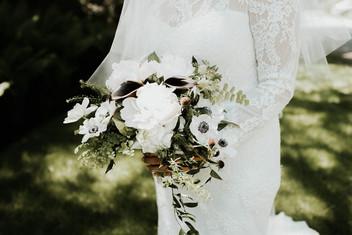 Anemone bridal bouque
