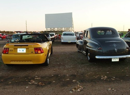 5 Reasons to have a drive-in theater wedding