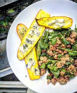 bleu vegan sur tartine de courgette