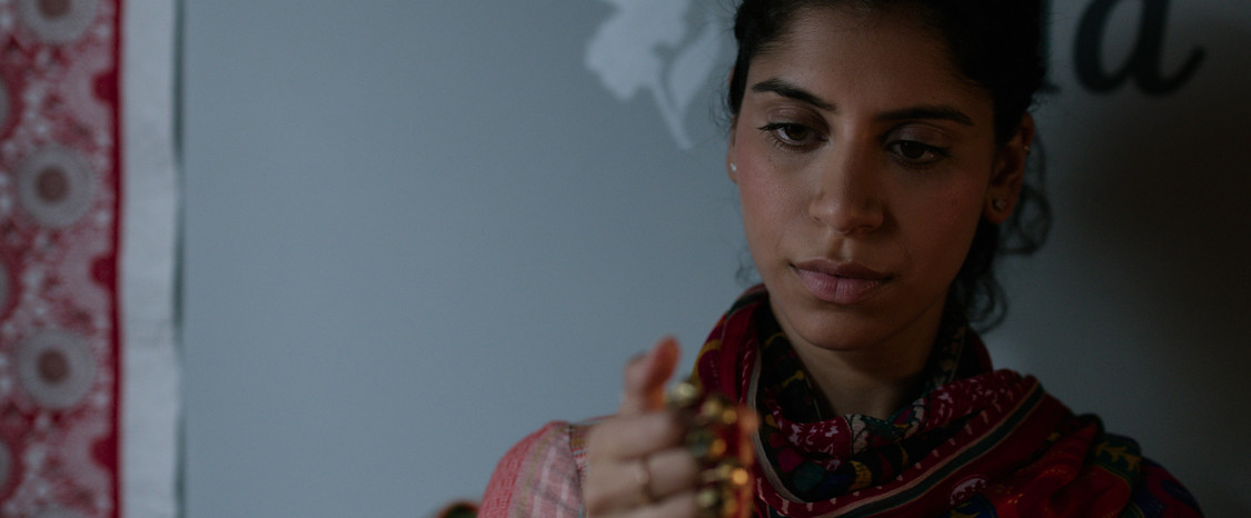 Nikita Tewani as Dua. My mother'sghungroos.