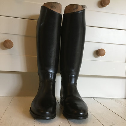 Davies Boots size 8.5 approx