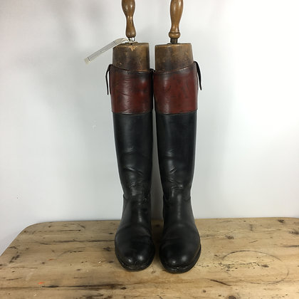 Size 10 Maxwell Top Boots with trees