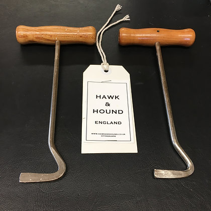 WOODEN HANDLE BOOT PULL