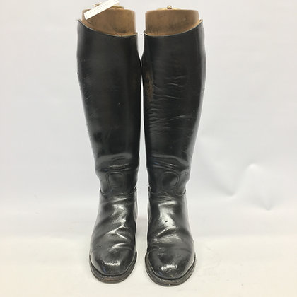 Size UK 5.5 Black boots with trees