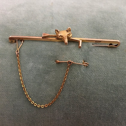 Vintage 9ct gold fox and crop pin with safety chain