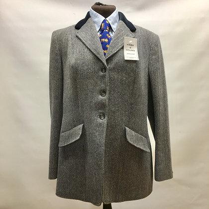 "herringbone tweed with velvet collar 40"""