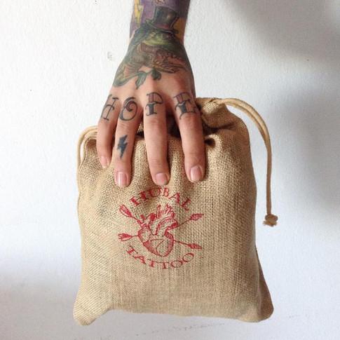Packagin sobre bolsa de arpillera