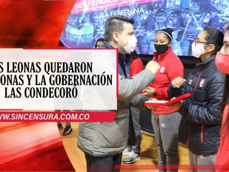 """Cundinamarca le hace un merecido reconocimiento a las """"Leonas"""" de Santa Fe campeonas 2020"""