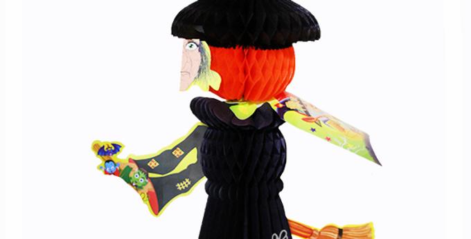 Bruja con capa y vestido