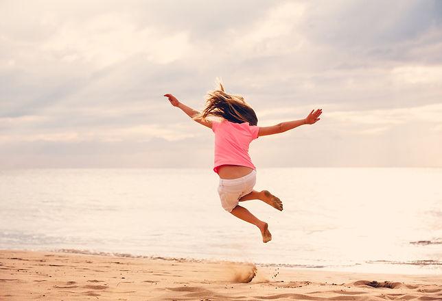 Yeap_Pic_Girl_Jumping_Beach.jpg